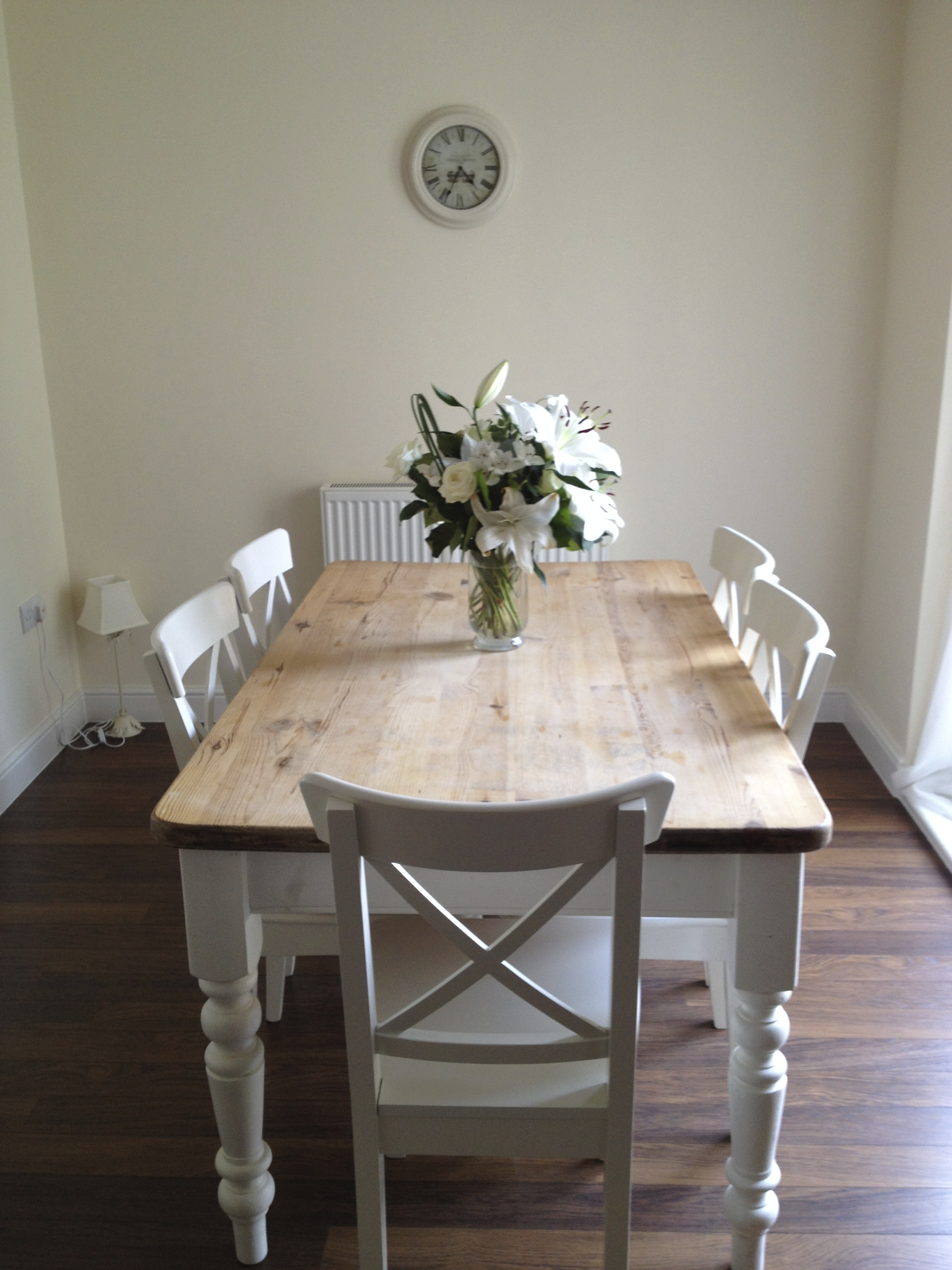 Project dining table with before after maison belle for Maison chic shabby chic